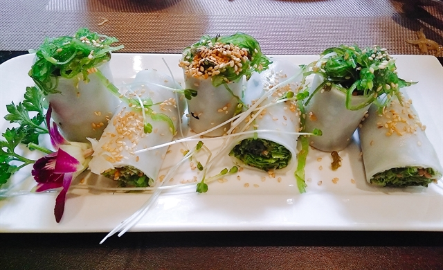 Chill out: Summer rolls with vegetables and seaweed, a dish for cooling down. VNS Photos Đỗ Hữu