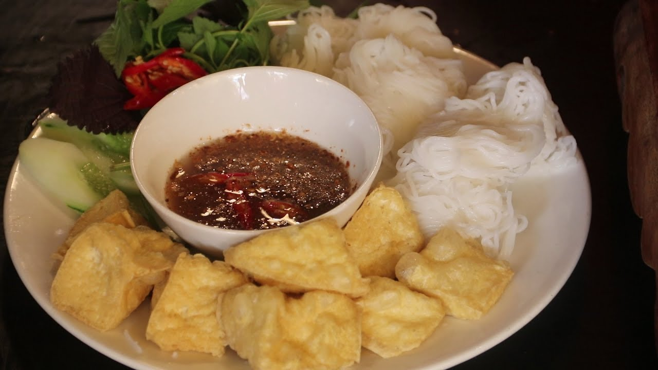 Nom nom Vietnam - Episode 15: Vermicelli with fried tofu and shrimp paste
