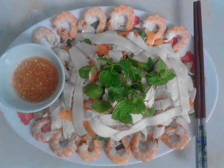 Kicker: A plate of tasty củ hũ dừa salad, the quintessence of Bến Tre. — Photo baocantho.com.vn